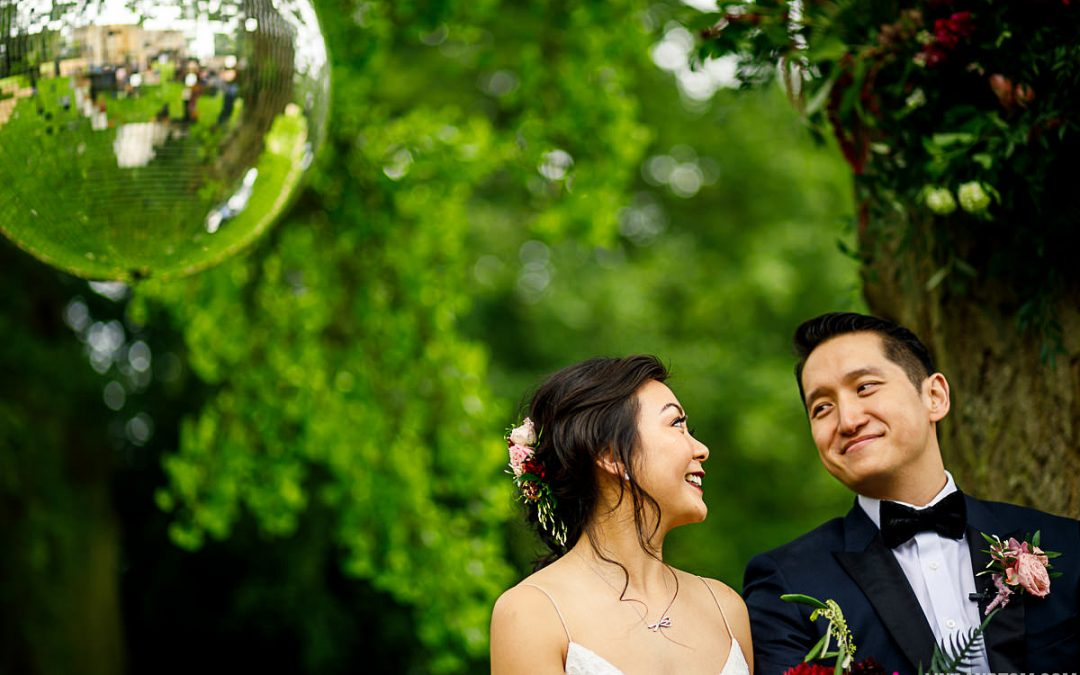 Kim and Ho: fun and relaxed outdoor ceremony at Aynhoe Park